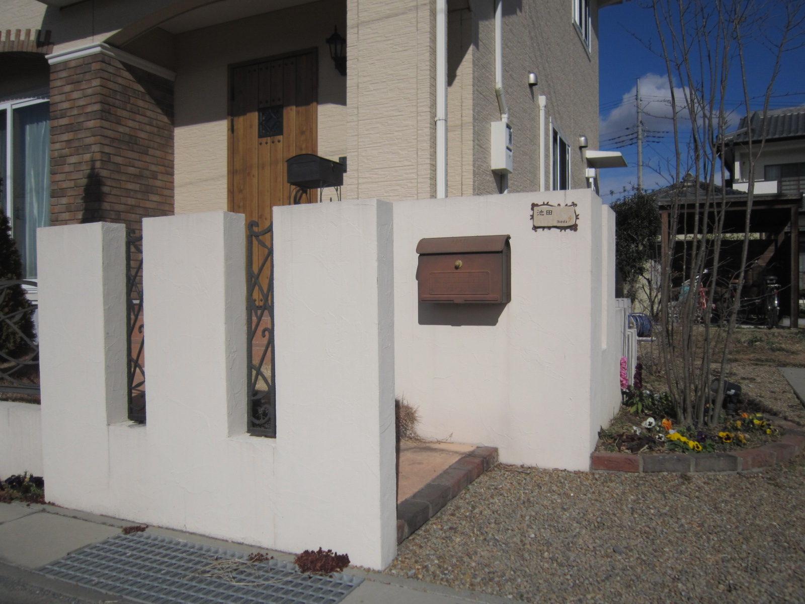 門柱は塗り壁