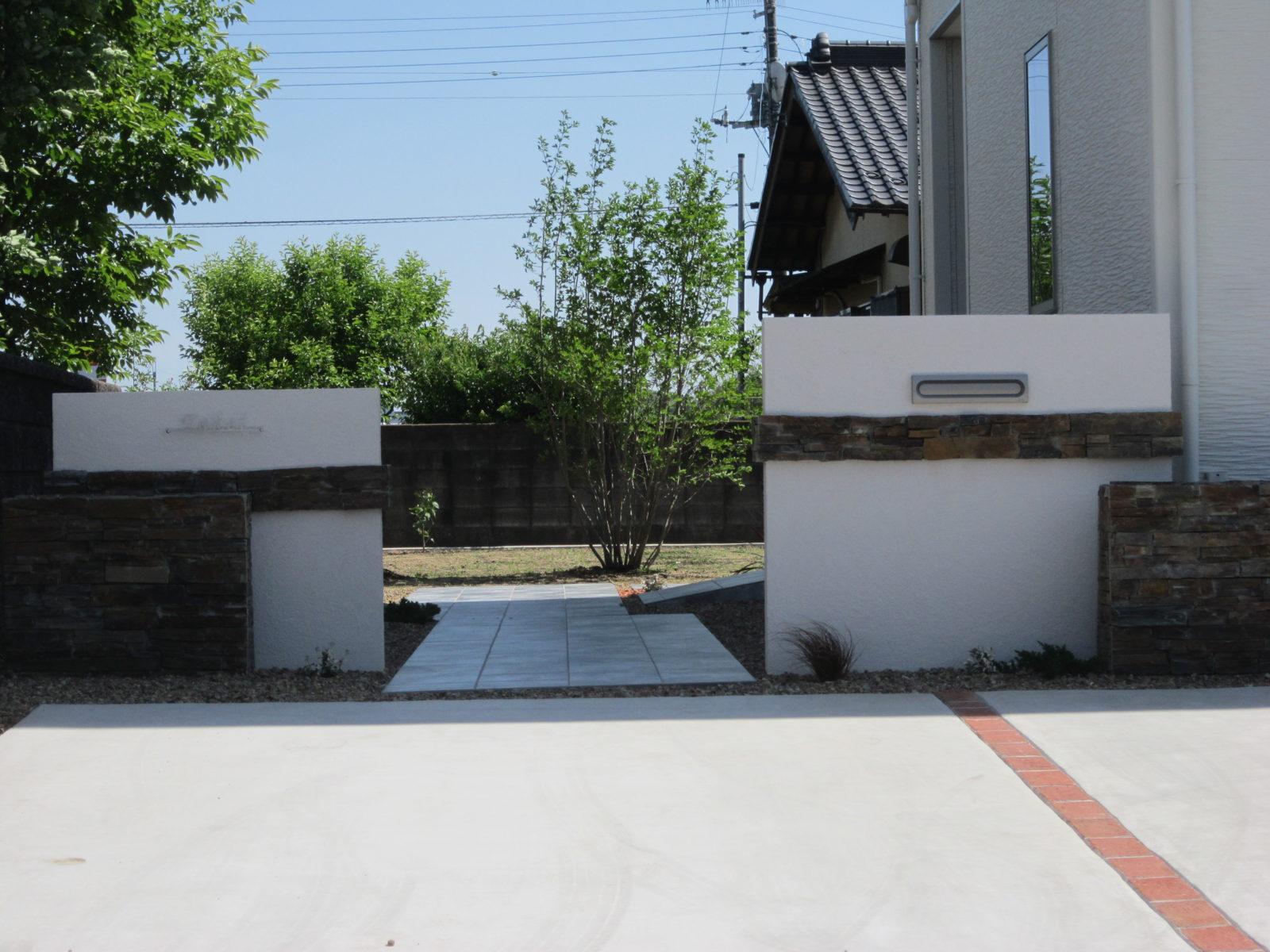 門柱は塗り壁でオンリーワンのビートルパーチウォール